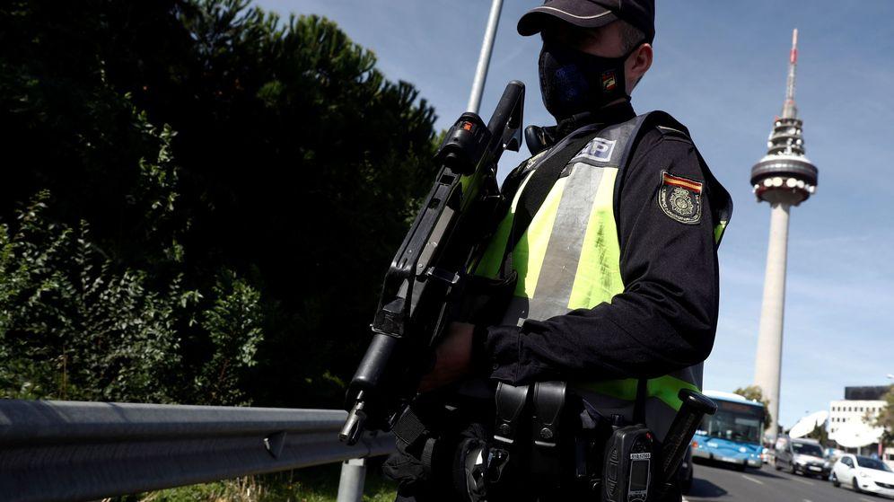 Foto: Control policial en el acceso a capital. (EFE)