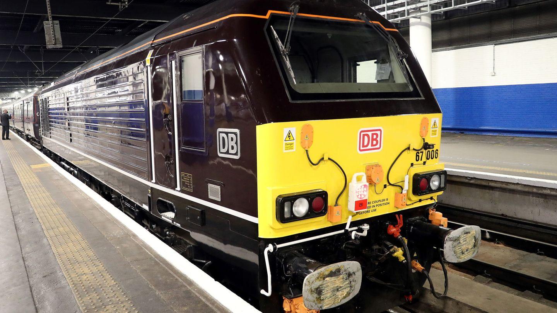 El tren real en la londinense estación de Euston. (Reuters)