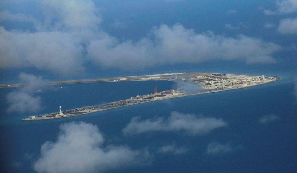 Foto: Vista aérea de un islote de las Spratly ocupado por China, en el Mar del Sur de China. (Reuters)