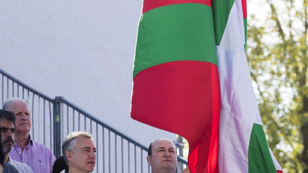 AVE, cárcel de Donosti, rebaja en la luz. ¿Qué se juega el País Vasco en los Presupuestos?