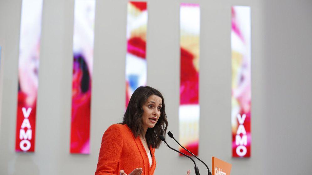 Foto: La portavoz de Ciudadanos, Inés Arrimadas, en la sede del partido. (EFE)