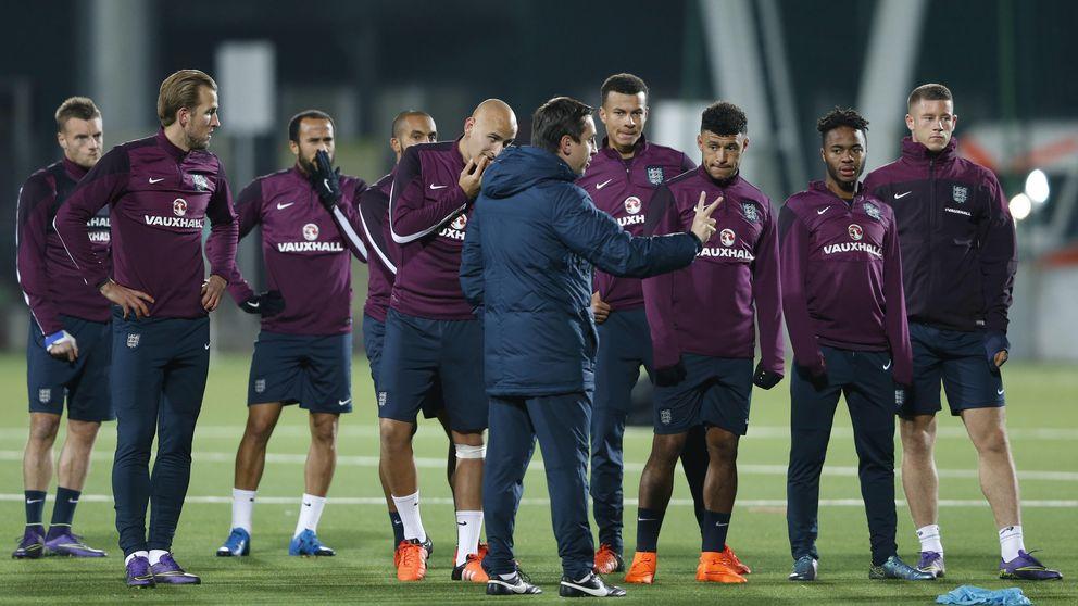Neville salta al barro, pero que nadie espere patadones ingleses en Valencia