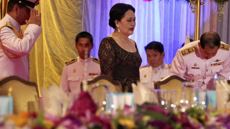 La reina Sirikit de Tailandia, en la presentación de las creaciones de la diseñadora británica Vivienne Westwood durante la Semana de la Moda de Bangkok en 2010. (EFE)