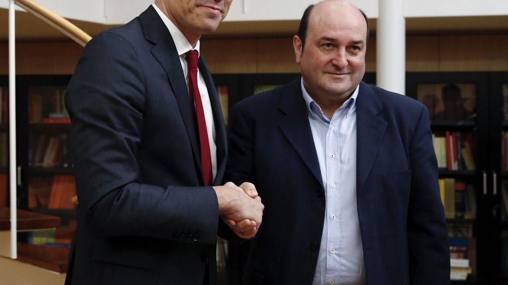 Ortuzar traslada a Sánchez el apoyo del PNV para agotar la legislatura y desgastar a Rivera