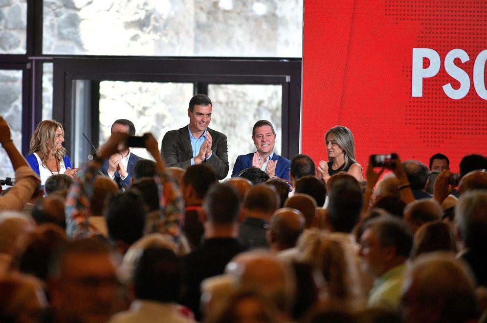 Foto: Pedro Sánchez, con Susana Sumelzo, Abel Caballero, Emiliano García-Page y Milagros Tolón, este 7 de septiembre en Toledo. (EFE)