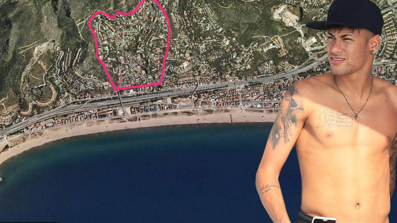 Neymar y la urbanización de Castelldefels donde tenía su casa. (Vanitatis)