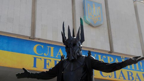 Sauron se manifiesta en la campaña para las elecciones parlamentarias en Ucrania