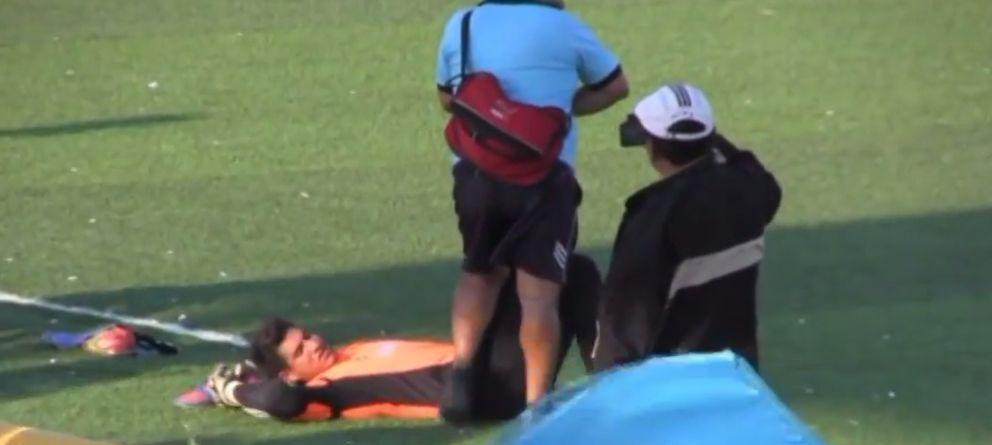 La última trampa en el fútbol: autolesionarse para dejar de hacer el ridículo en el campo