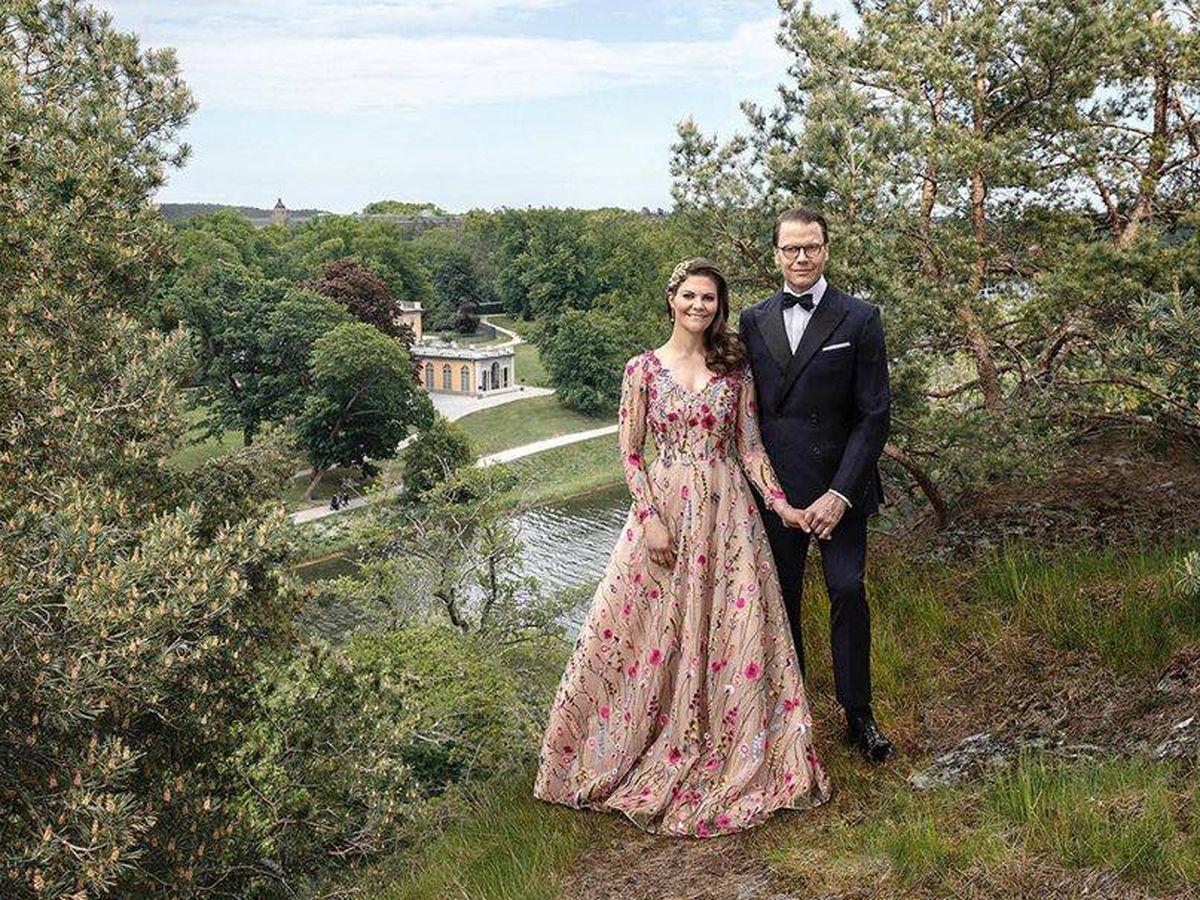 Foto: Victoria y Daniel de Suecia, en una estampa idílica. (Instagram @Kungahuset)