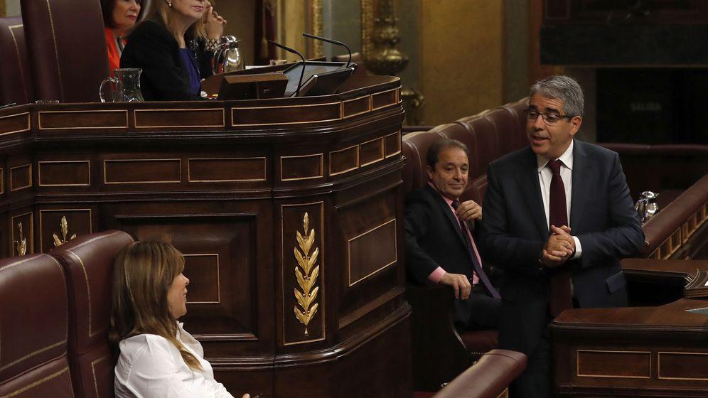 Foto: El portavoz parlamentario de PDECat, Francesc Homs (d). (EFE)