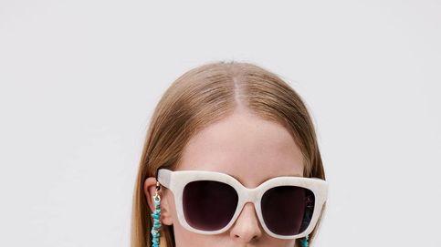 Zara ha sacado los cordones para gafas de sol que más verás en Instagram