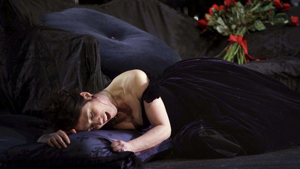 Foto: Foto de archivo de la representación de La Traviata en 2015 en el Teatro Real (EFE)