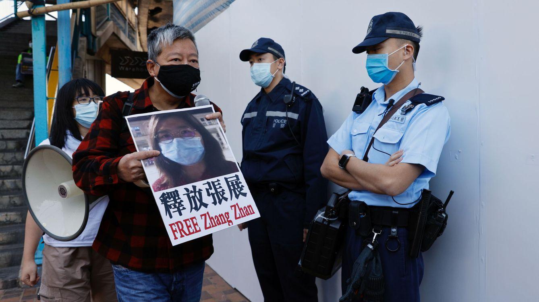 China impone 4 años de cárcel a una abogada por informar del coronavirus desde Wuhan