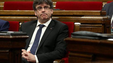 La soledad de Puigdemont: solo en el Govern y en PDeCAT ante el referéndum