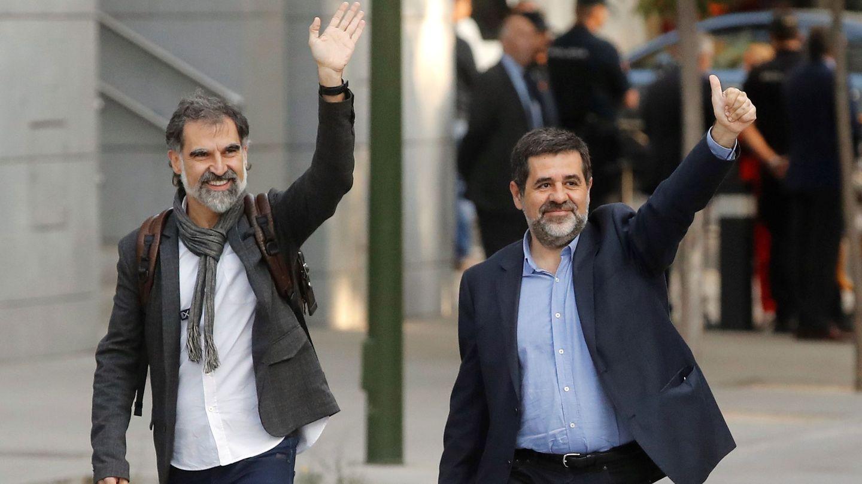 Los presidentes de la Asamblea Nacional Catalana, Jordi Sànchez, d., y de Òmnium Cultural, Jordi Cuixart. (EFE)
