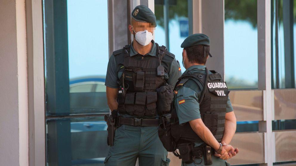 La Guardia Civil detiene a un magistrado del TC por una acusación de violencia de género
