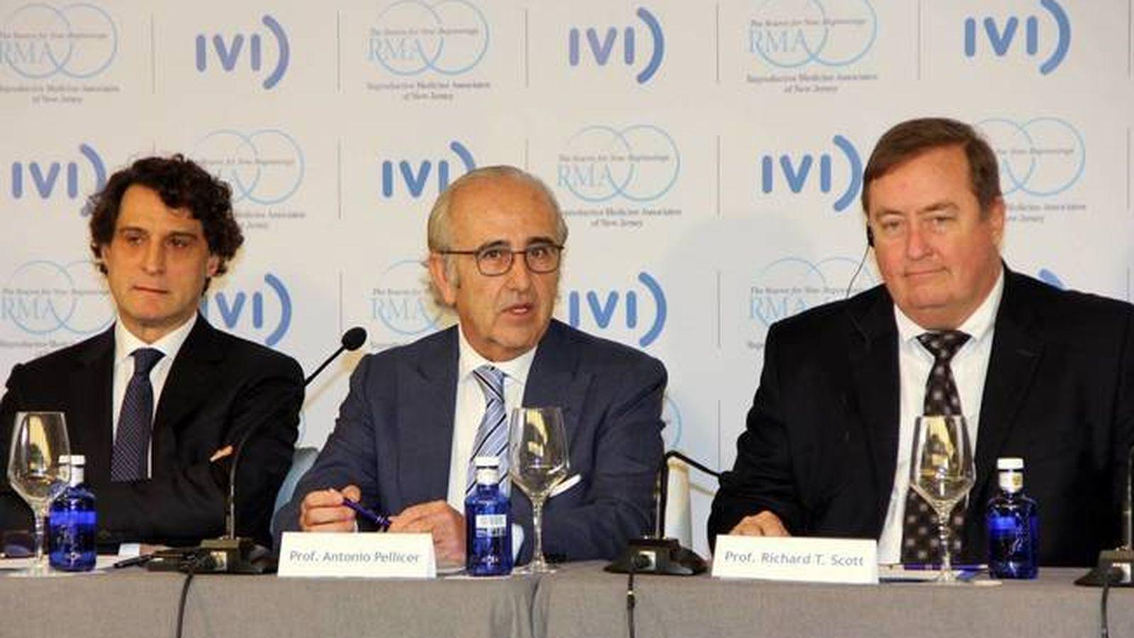 Foto: Los fundadores del IVI RMA (Remohí y Pellicer) y el CEO del grupo, Richard Scott.