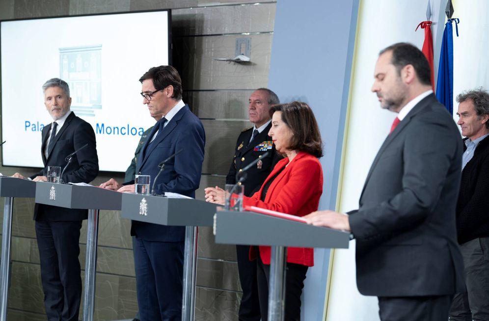 Foto: Los ministros Fernando Grande-Marlaska, Salvador Illa, Margarita Robles y José Luis Ábalos, este 15 de marzo en la Moncloa. (Pool Moncloa)