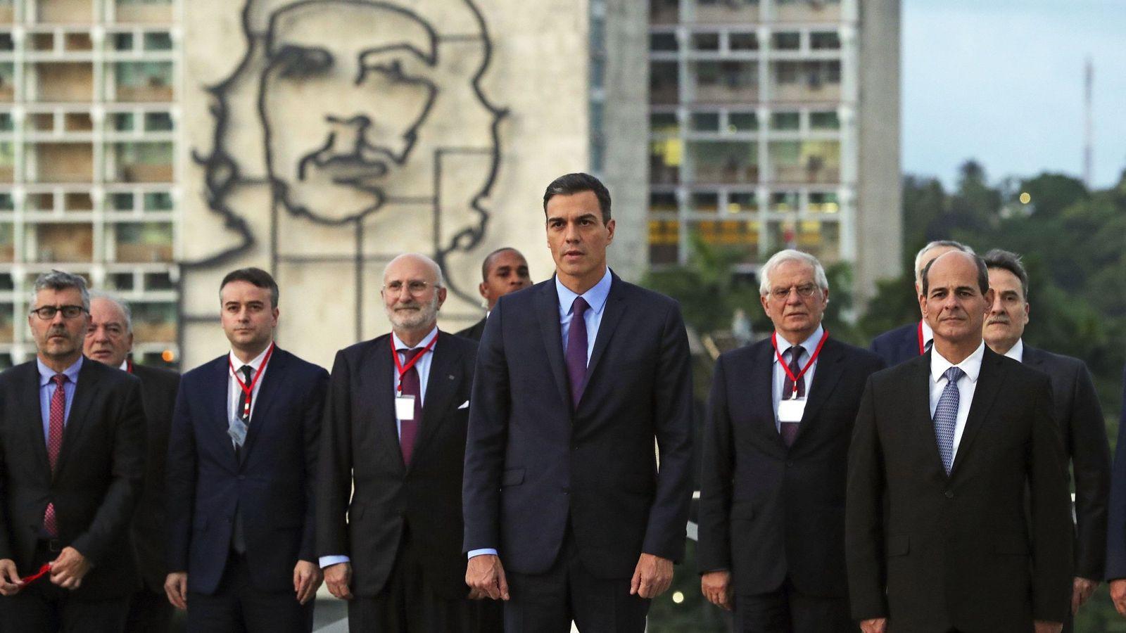 Foto: Pedro Sánchez a su llegada a Cuba. (EFE)
