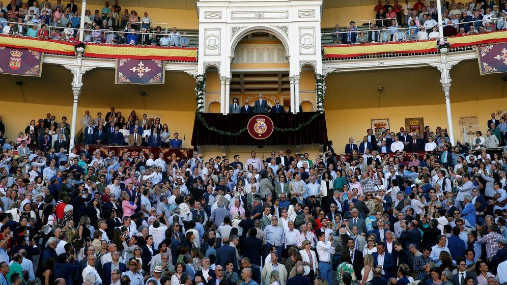 Foto: El Rey brinda su apoyo a los toros en las Ventas. (EFE)