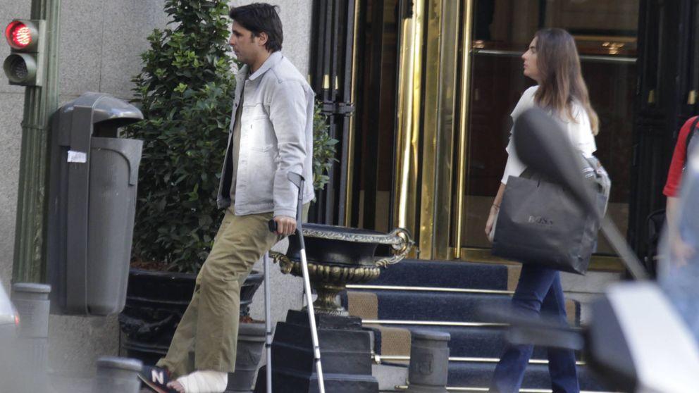 Fran Rivera, operado de la rodilla a unos días de la boda de su hermano Kiko