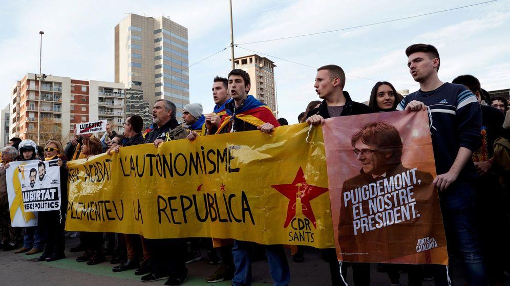 Foto: Miembros del CDR en una protesta en Barcelona. (EFE)