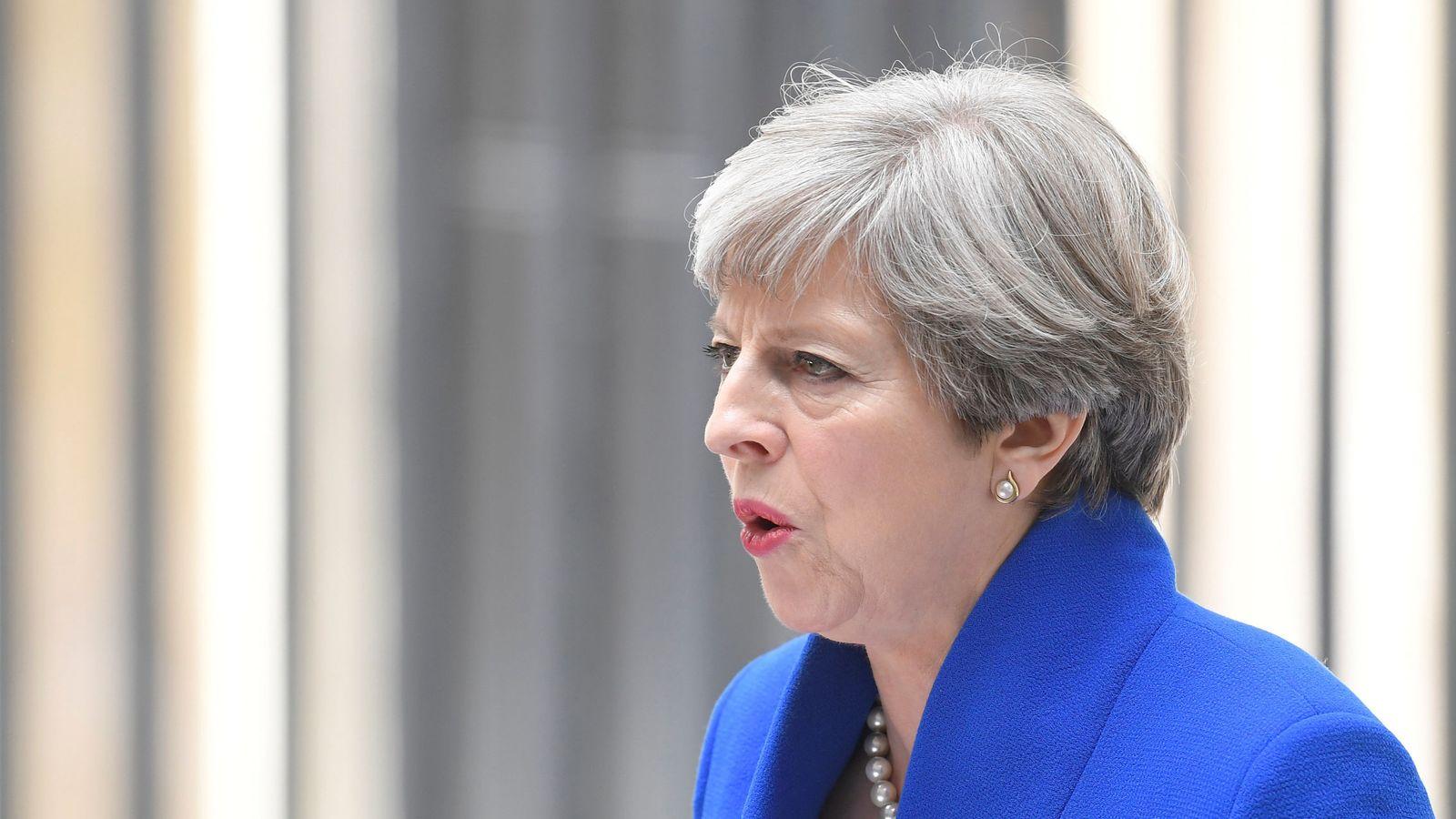Foto: Theresa May durante una rueda de prensa en Downing Street. (Reuters)
