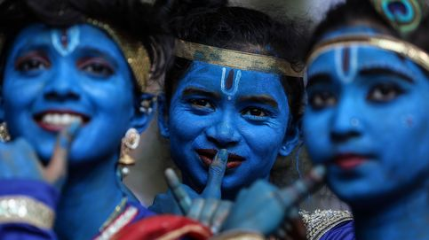 El festival Janamashtami y las protestas en Indonesia: el día en fotos