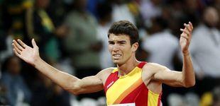 Post de El pasado de Mechaal se borra con medallas y un beso a la bandera española