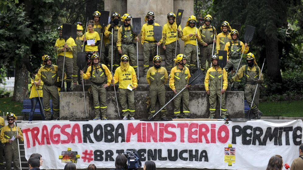 Foto: Trabajadores protestan para exigir mejoras laborales, coincidiendo con una nueva reunión con Tragsa en Madrid. Foto: EFE