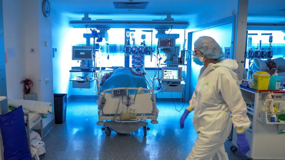 El dato que no logra reunir Sanidad: aún hay 5.000 enfermos de Covid-19 en la UCI