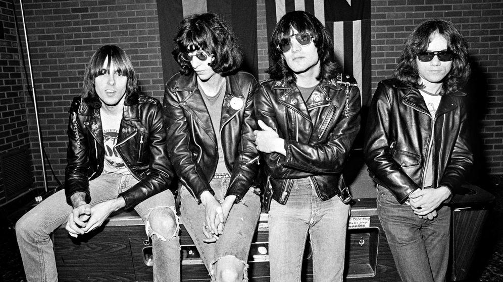 Foto: I-D: Johnny Ramone, Joey Ramone, Dee Dee Ramone y Tommy Ramone.