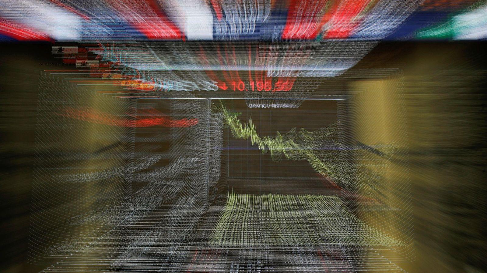 Foto: Imagen de archivo de un panel de la Bolsa de Madrid. (EFE)