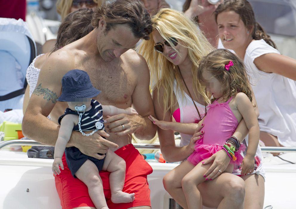 Foto: Carolina Cerezuela y Carlos Moyá con sus hijos Carlos y Carla el pasado mes de junio. (I.C.)