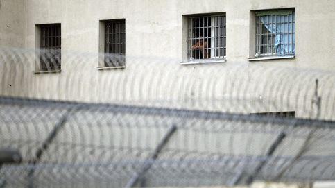 Un preso se corta el cuello para no salir de la cárcel por no tener donde ir