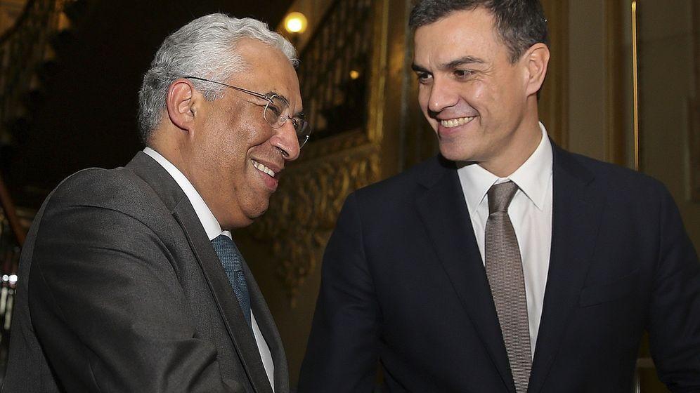 Foto: Pedro Sánchez saluda al primer ministro de Portugal, António Costa, el pasado 7 de enero en Lisboa. (EFE)