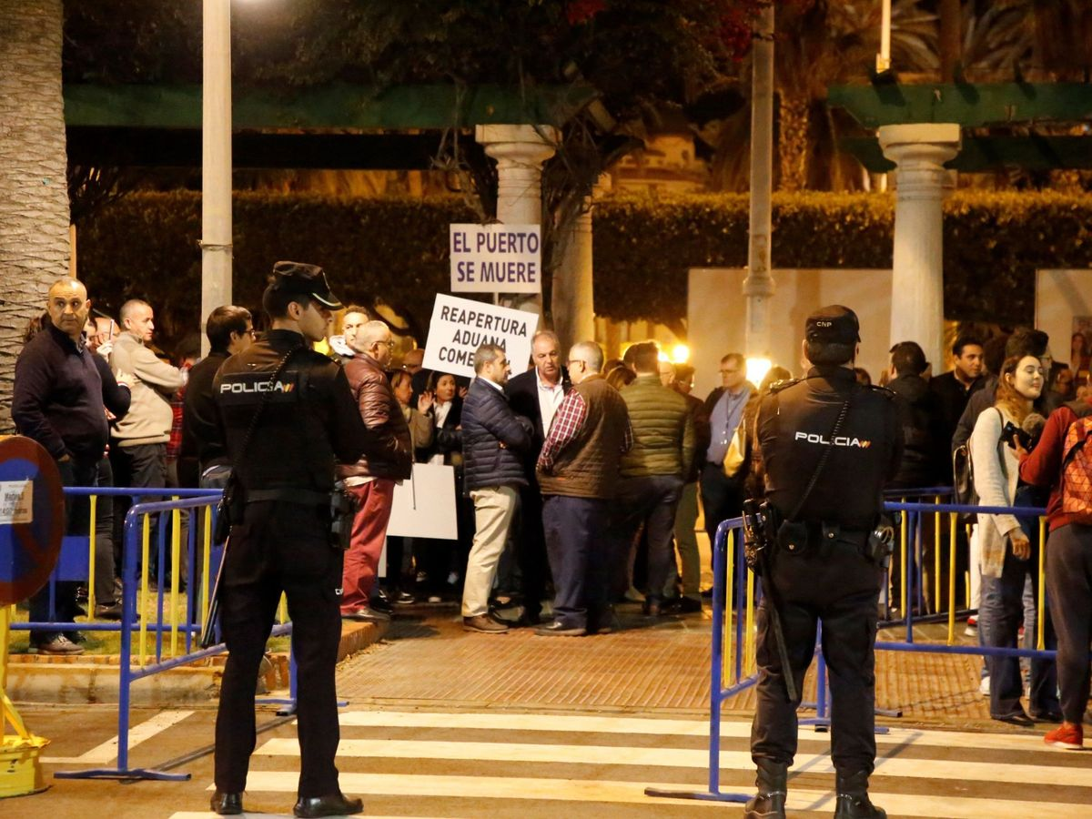 Foto: Empresarios exigen al Gobierno soluciones en la frontera y la reapertura de aduana. (EFE)