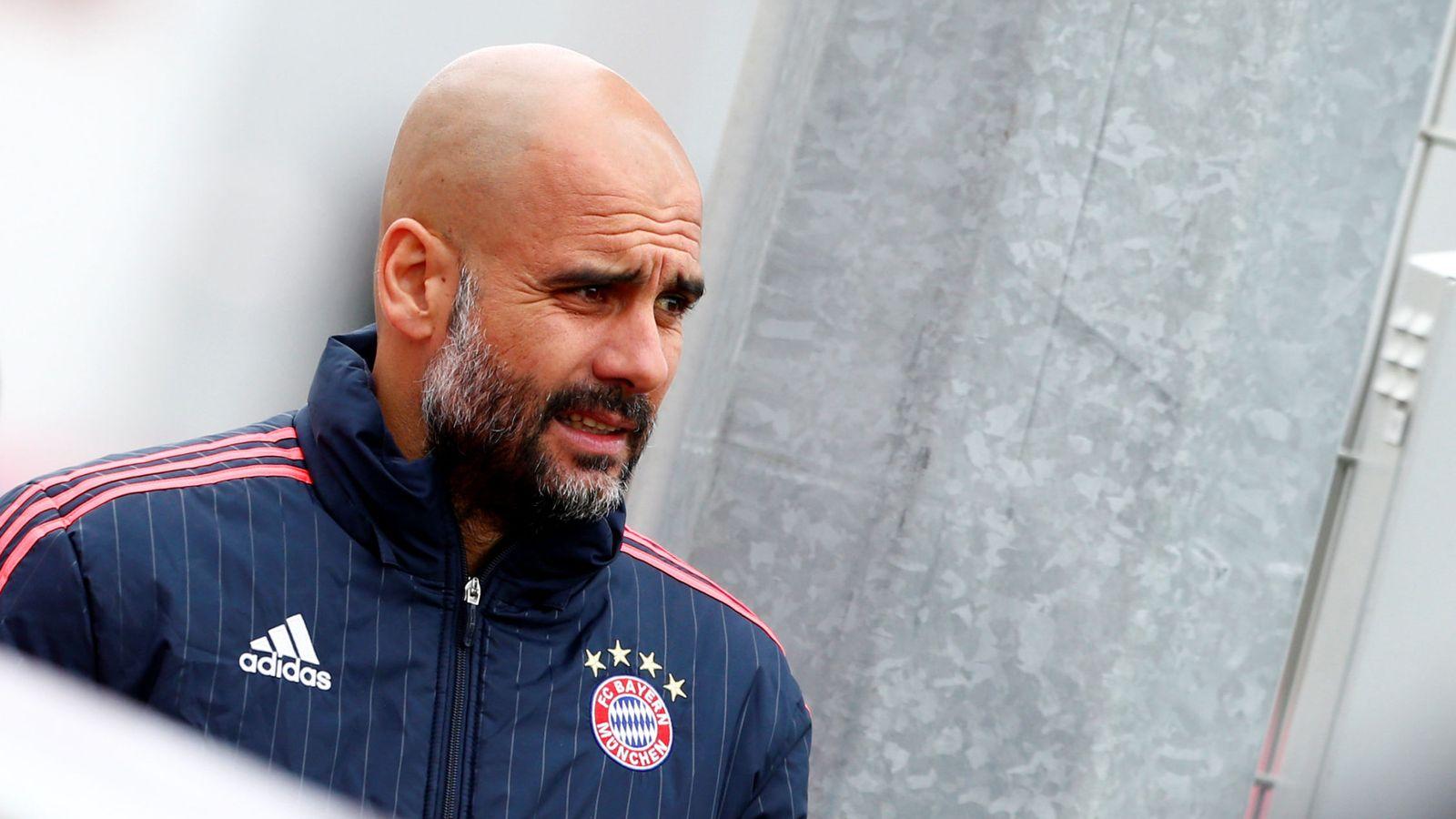 Foto: Pep Guardiola, antes de un entrenamiento del Bayern. (Reuters)