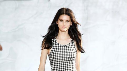 El vestido vichy perfecto para chicas con poco pecho es de C&A