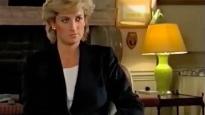Lady Di, durante su entrevista para 'Panorama'. (BBC)