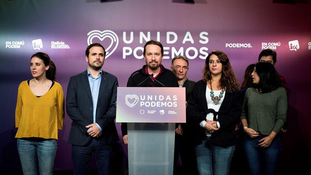 Foto: El secretario general de Unidas Podemos, Pablo Iglesias, comparece ante los medios de comunicación junto a otros miembros del grupo confederal para analizar los resultados de las elecciones del 10-N. (EFE)