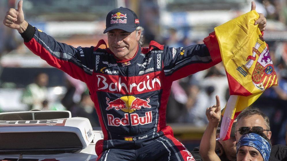 Foto: Carlos Sainz, ganador del rally Dakar 2020. (Efe)