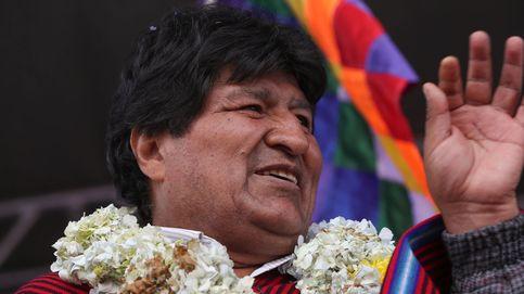 Golpean con una silla a Evo Morales en un acto con miembros de su partido