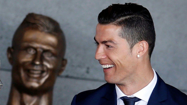 El busto de Cristiano Ronaldo en Madeira inunda de memes las redes