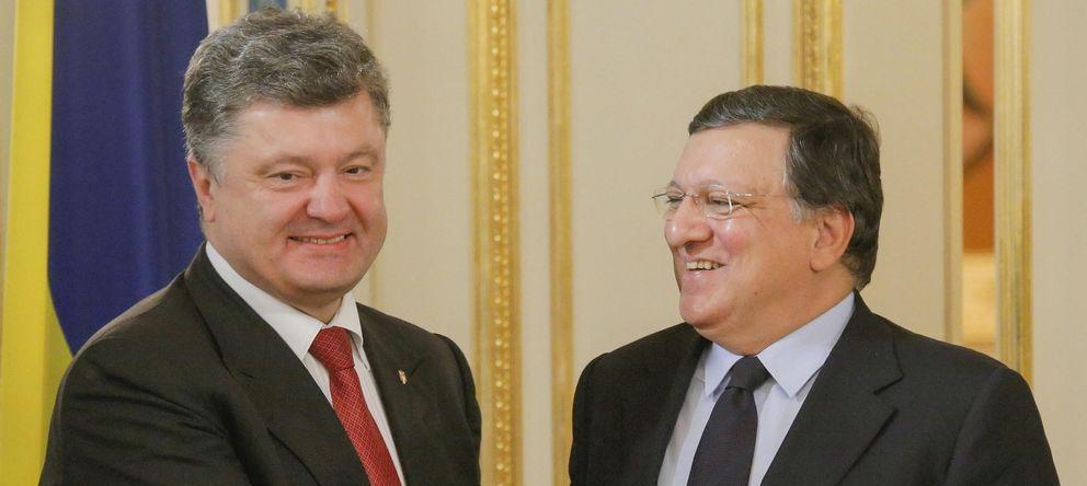 Foto: El presidente de Ucrania, Petró Poroshenko y el presidente de la Comisión Europea, José Manuel Durao Barroso (EFE)
