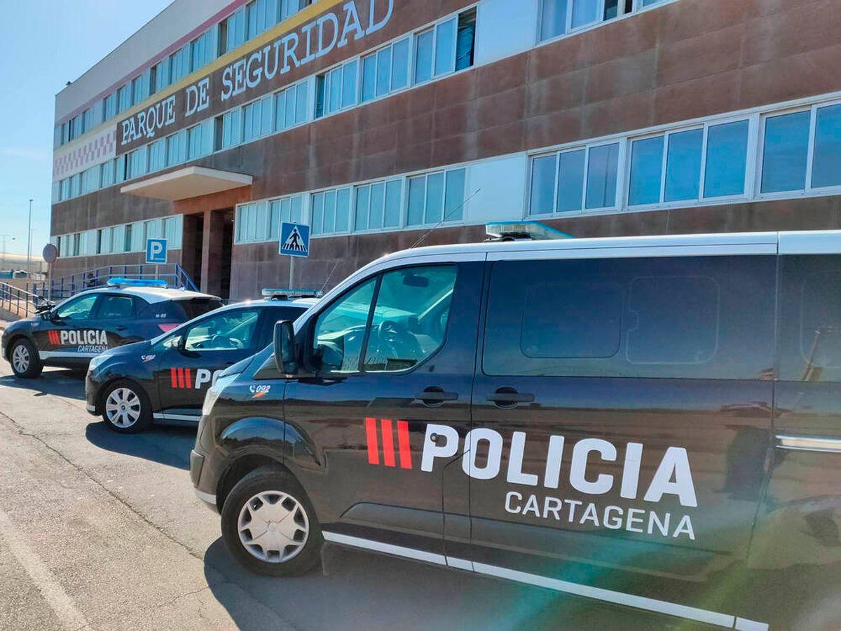 Foto: La policía interceptó el autobús antes de que llegara a su destino (Policía de Cartagena)