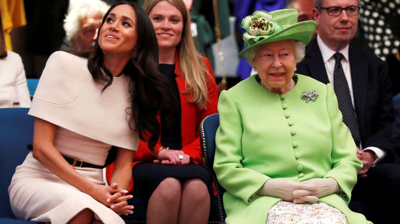 La duquesa y la reina. (Reuters)