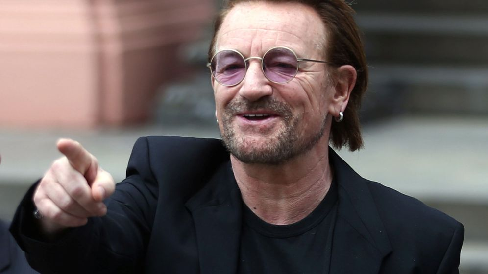 Foto: Bono, durante su visita al presidente argentino, Mauricio Macri, en octubre de este año. (Reuters)