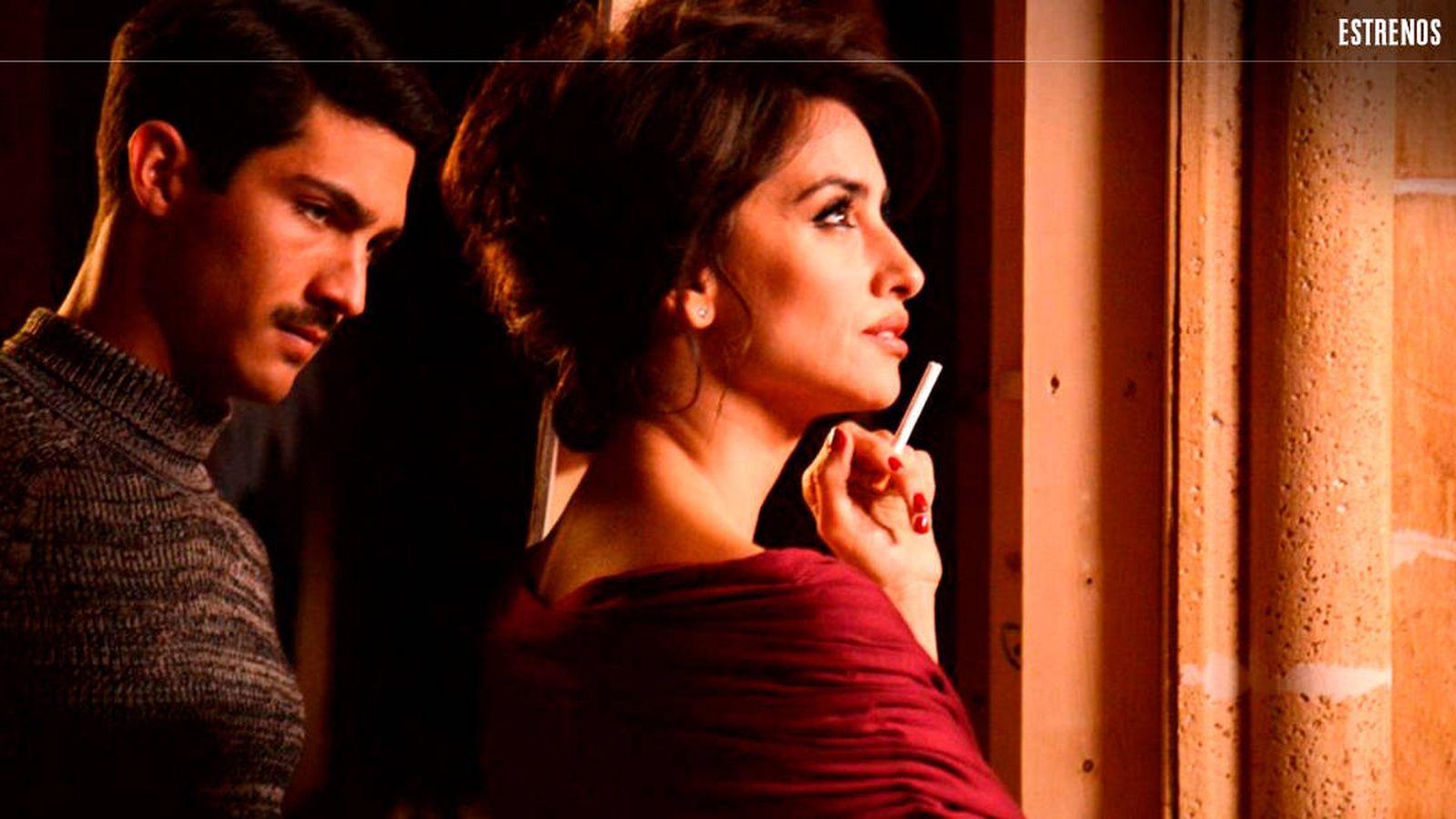 Foto: Chino Darín y Penélope Cruz, en una escena de 'La reina de España'.