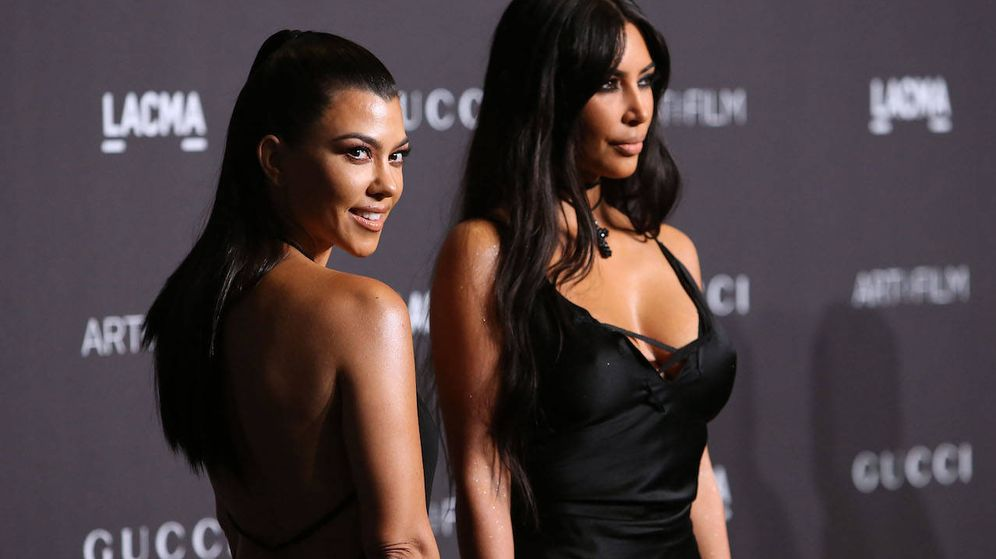 Foto: Kourtney Kardashian y Kim Kardashian (Getty)